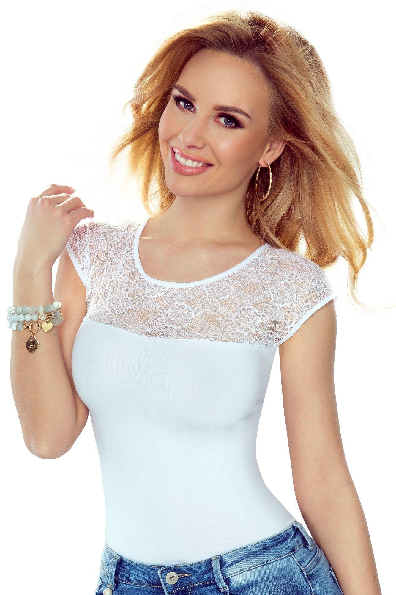 15401ec0e7bc Dámské triko Paulina bílé s krajkovým dekoltem