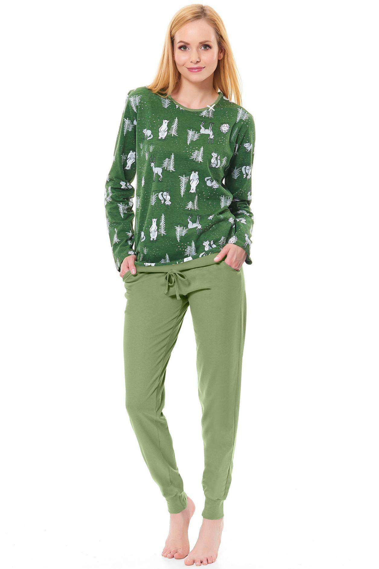 4cdfe342aec6 Dámske zelené pyžamo Funny lesný vzor - ELEGANT.sk