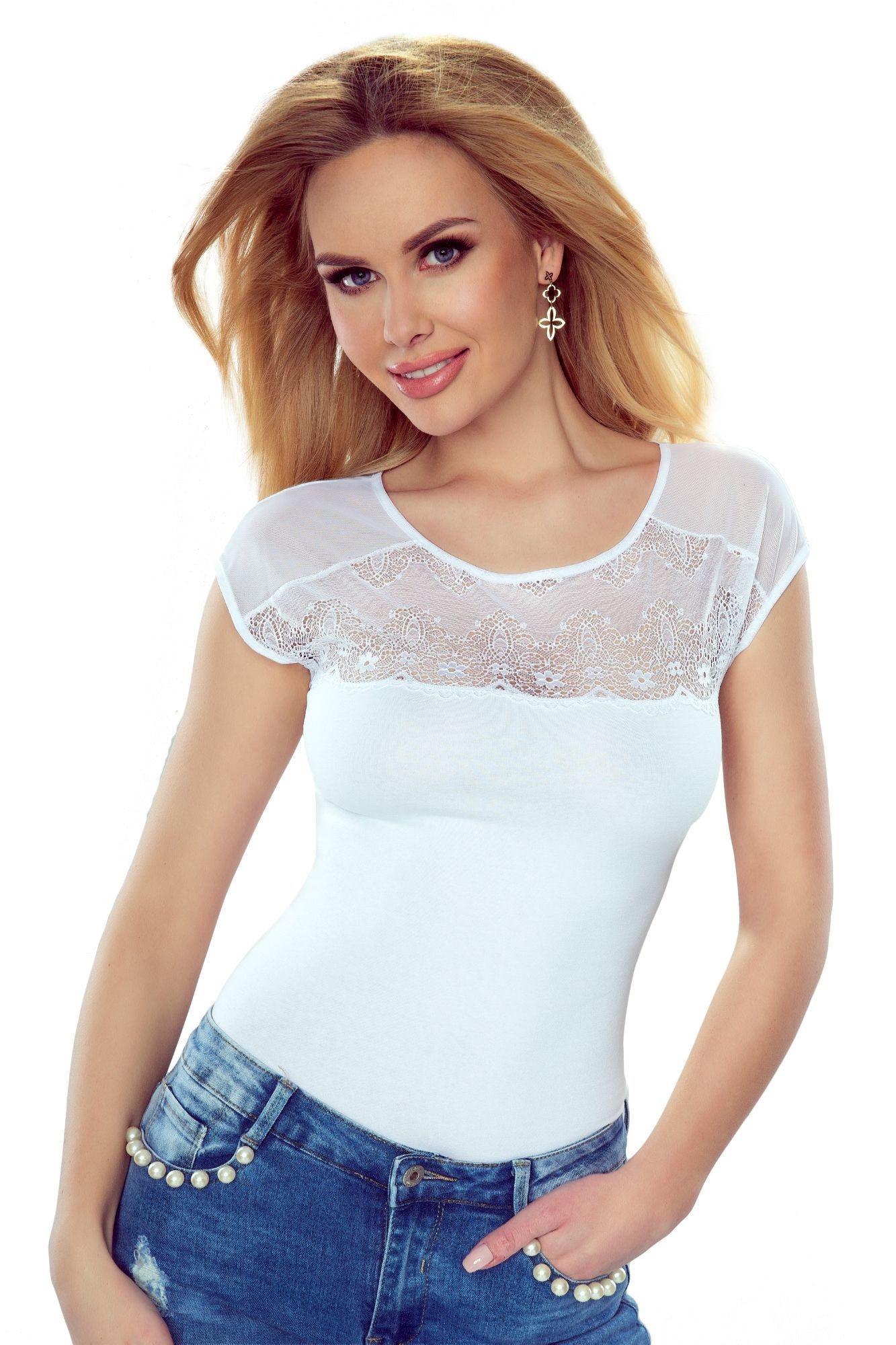 c52b69d3790f Dámske tričko Marita biele s čipkovaným dekoltom - ELEGANT.sk