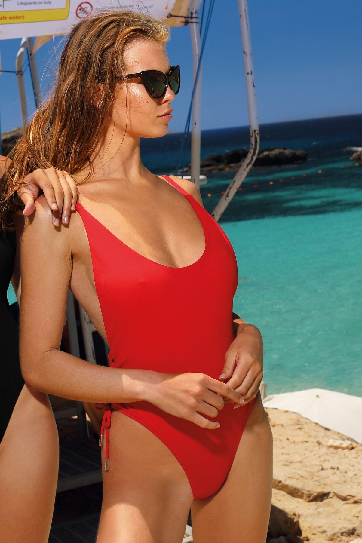 6b3f575e0 Jednodielne plavky Pamela Baywatch červené - ELEGANT.sk